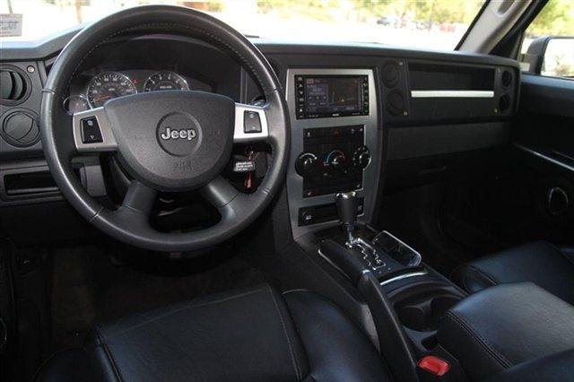 Picture Of 2010 Jeep Commander Sport 4wd Interior