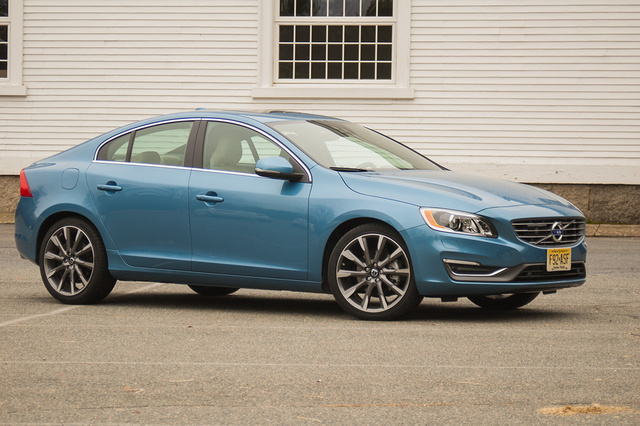 2015 Volvo S60, Front-quarter view, exterior