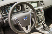 2015 Volvo S60, Steering wheel and controls, interior