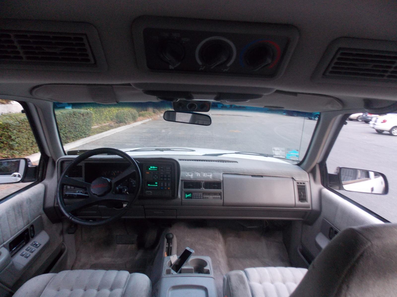Chevrolet Suburban K Wd Pic