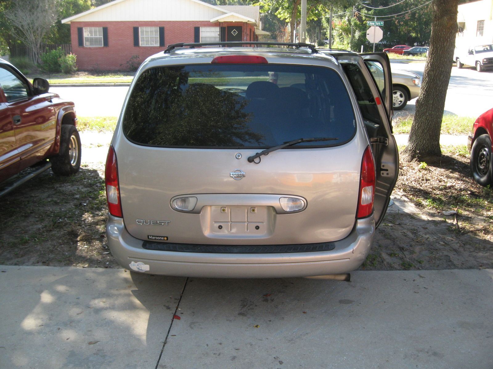Picture of 2002 Nissan Quest GXE