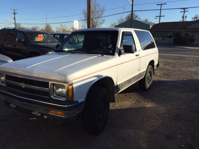 ... S10 Blazer 4x4 2-door and when I find one it says not for ZR2 models or 2-Door models. Why donu0027t they make a lift kit for a 2 door? Thanks ssterry63 & Chevrolet S-10 Blazer Questions - I want to lift my 1991 S10 blazer ...