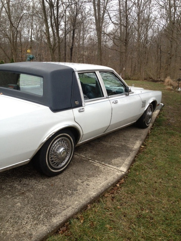 Picture of 1988 Chrysler Fifth Avenue
