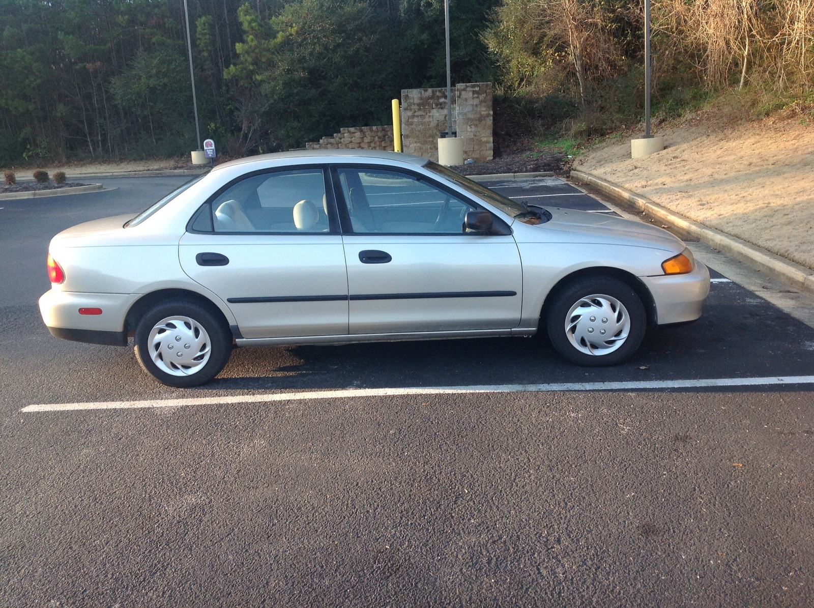 Picture of 1998 Mazda Protege 4 Dr DX Sedan