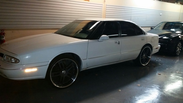 Picture of 1997 Oldsmobile LSS 4 Dr STD Sedan