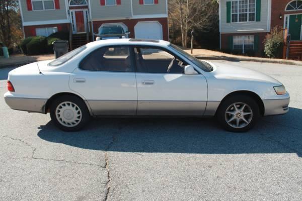 Picture of 1996 Lexus ES 300 Base