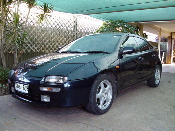 Picture of 1994 Mazda 323