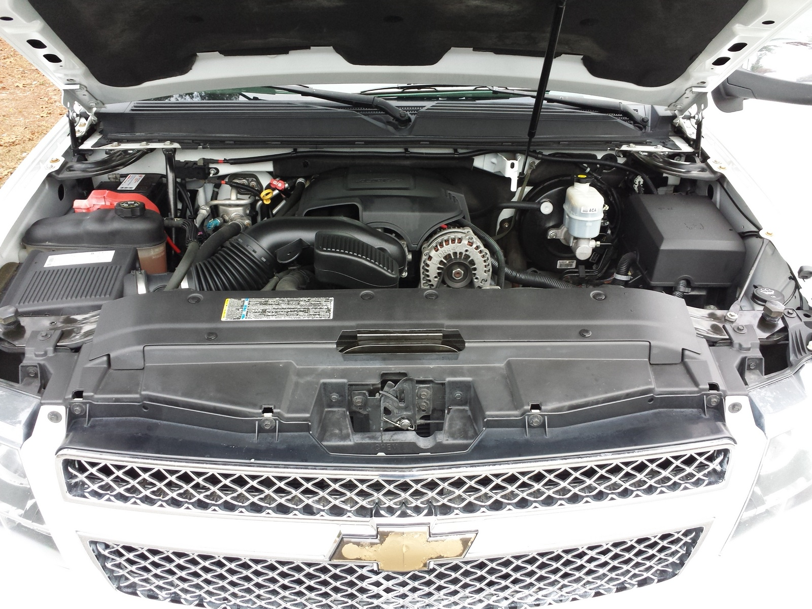 Picture of 2008 Chevrolet Suburban LTZ 1500, engine