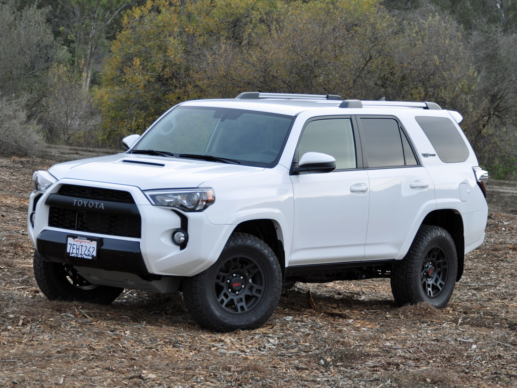 2015 Toyota 4Runner TRD Pro Series Super White Front Quarter