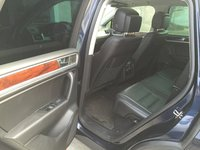 Picture of 2011 Volkswagen Touareg TDI Lux, interior