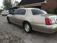 Picture of 2002 Lincoln Town Car Executive, exterior