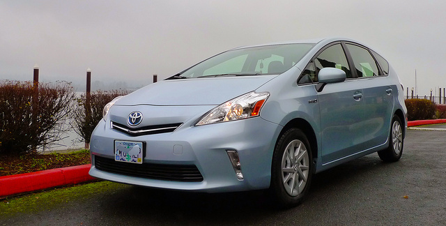 2014 toyota prius v overview cargurus. Black Bedroom Furniture Sets. Home Design Ideas