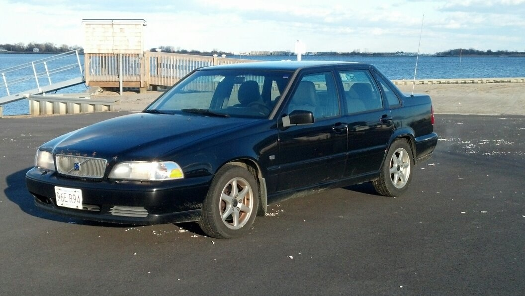 Volvo S Dr Se Sedan Pic on 2000 Volvo S70 Horsepower