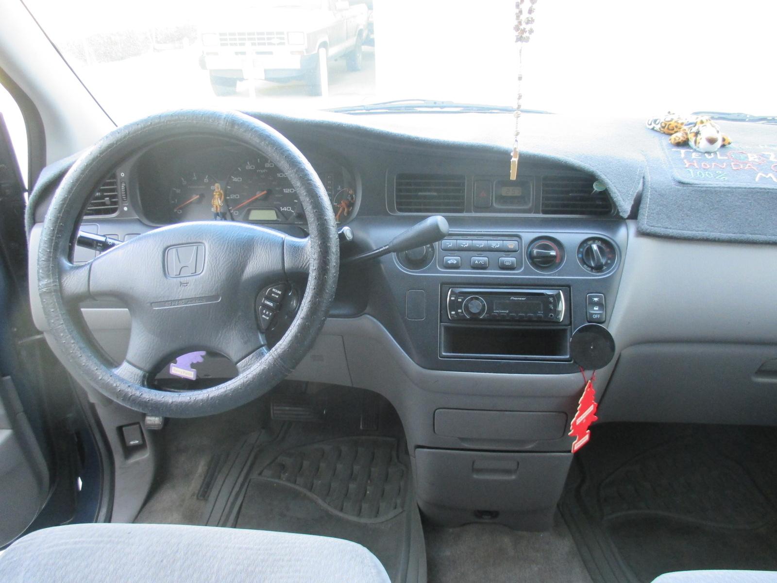 Picture of 2000 Honda Odyssey EX, interior