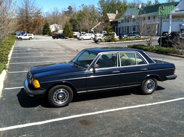 1983 mercedes benz 240 pictures cargurus for Mercedes benz 240