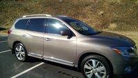 Picture of 2013 Nissan Pathfinder Platinum 4WD, exterior