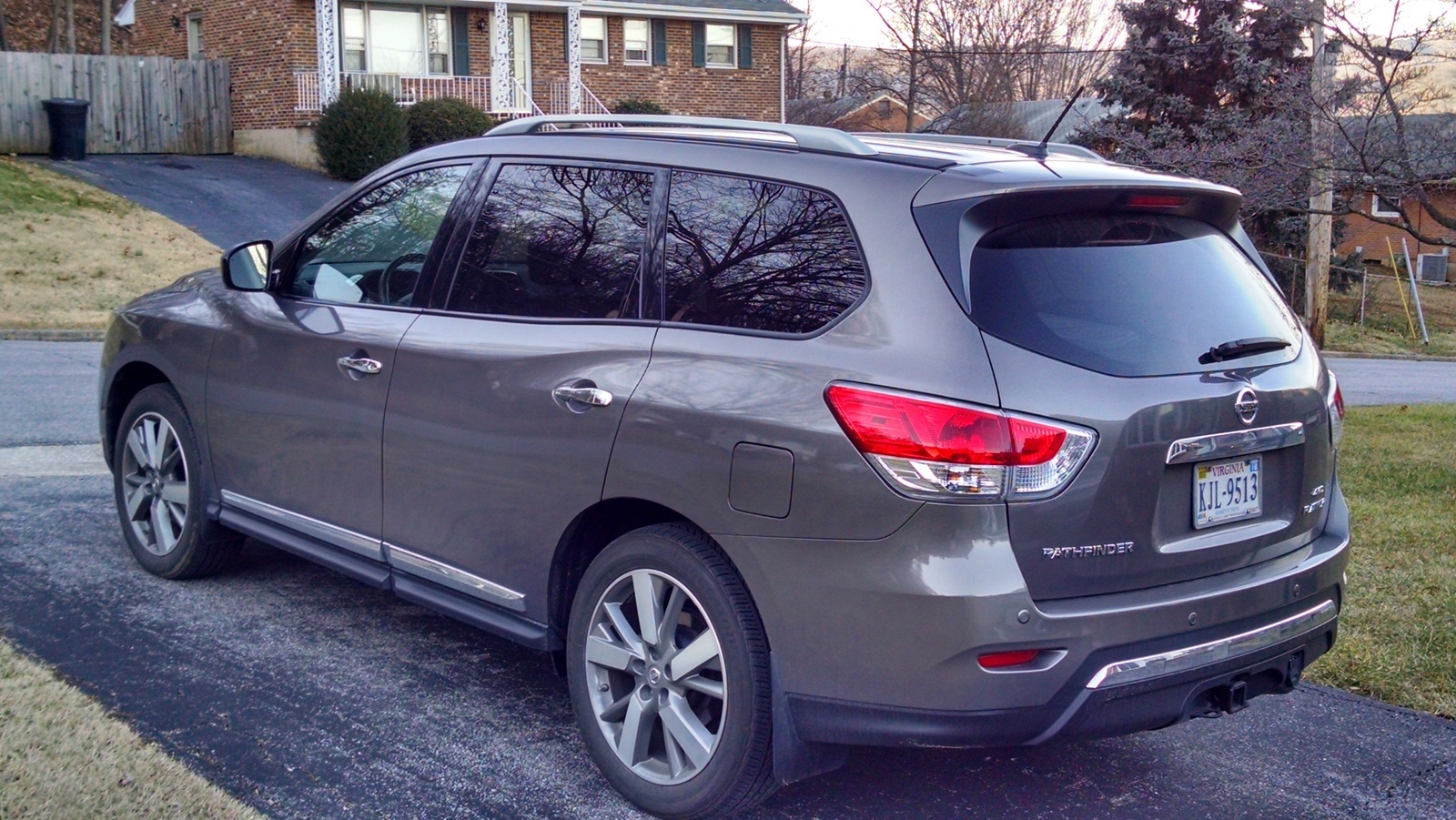 Picture of 2015 Nissan Pathfinder Platinum 4WD