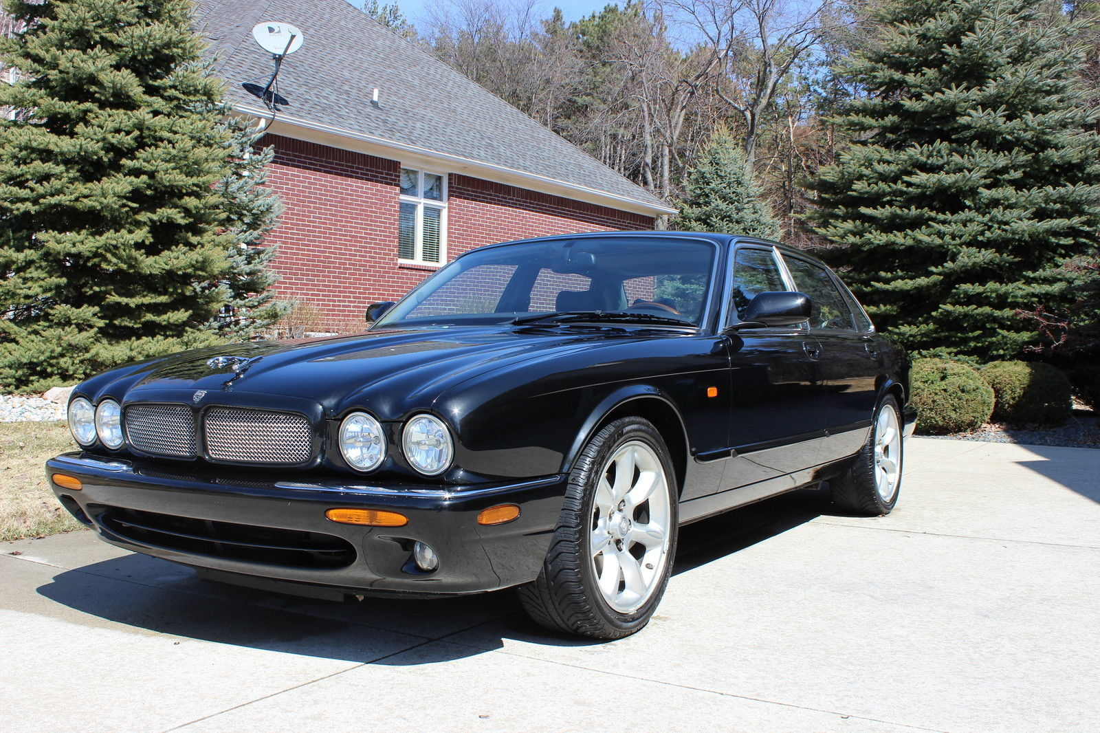 picture of 1998 jaguar xjr 4 dr supercharged sedan. Black Bedroom Furniture Sets. Home Design Ideas