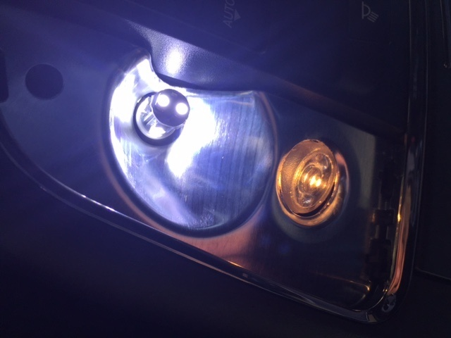 Jeep Grand Cherokee Questions How Do I Change This Dome Light Out On My 2014 Jeep Grand