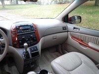 Picture of 2004 Toyota Sienna 4 Dr XLE Limited Passenger Van, interior