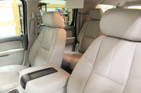 Picture of 2011 Chevrolet Suburban LT 1500 4WD, interior, gallery_worthy
