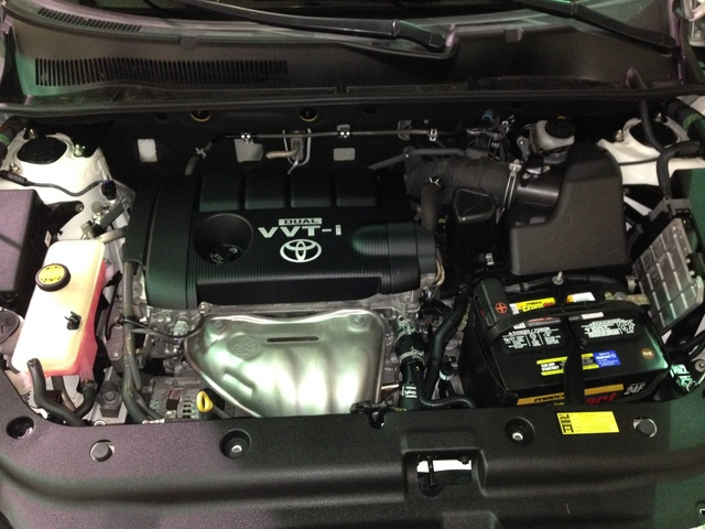 Picture of 2010 Toyota RAV4 Base, engine, gallery_worthy
