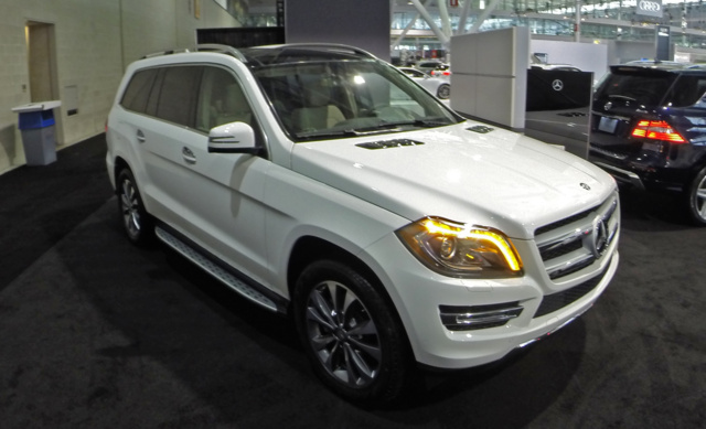 2015 Mercedes-Benz GL-Class, Front-quarter view, exterior, gallery_worthy