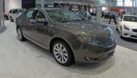 2015 Lincoln MKS, Front-quarter view, exterior