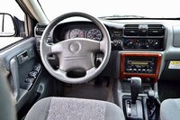 Picture of 2003 Isuzu Rodeo S V6 4WD, interior