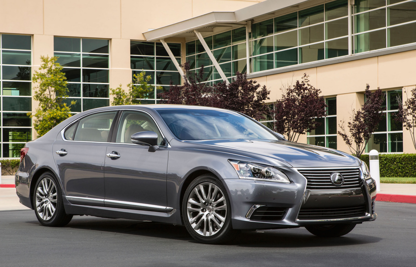 Home / Research / Lexus / LS 460 / 2015
