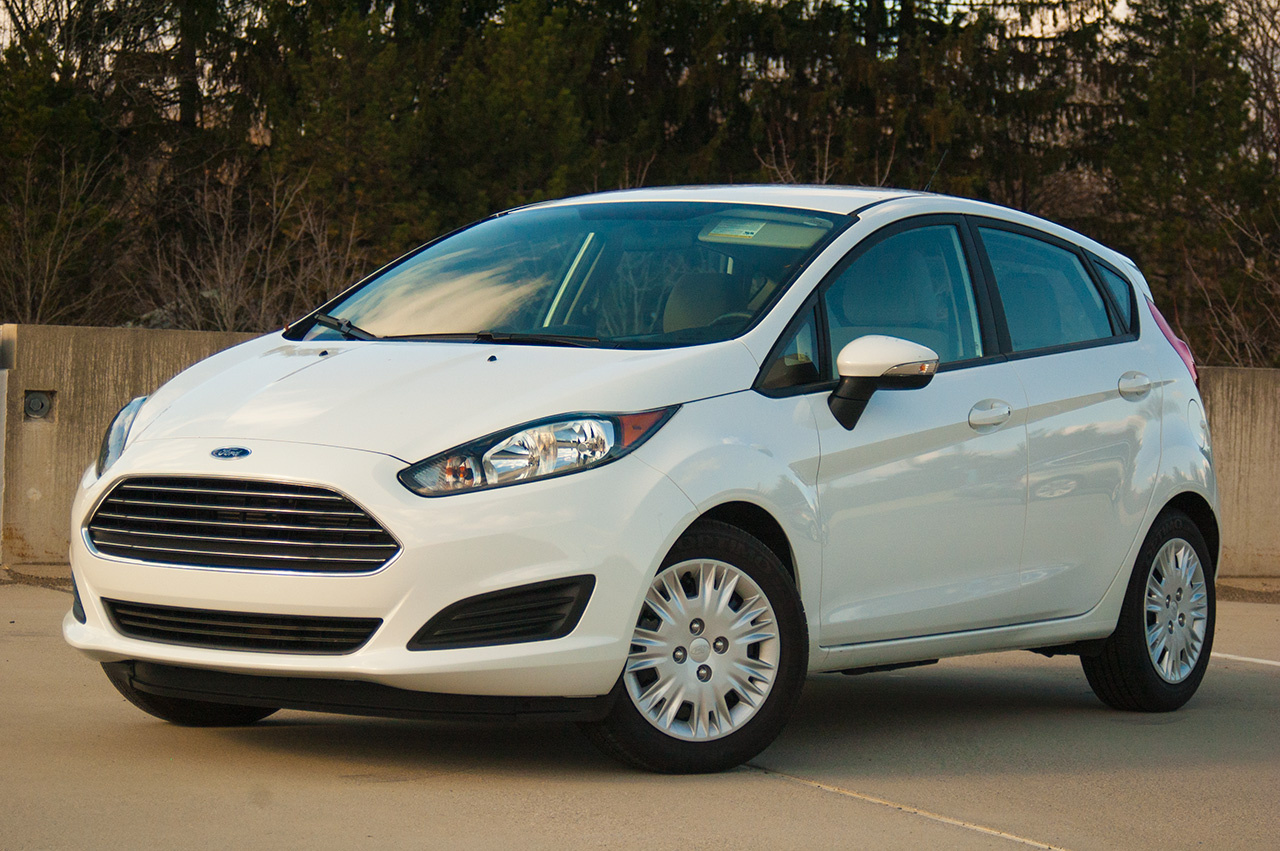 2015 Ford Fiesta SE EcoBoost front view