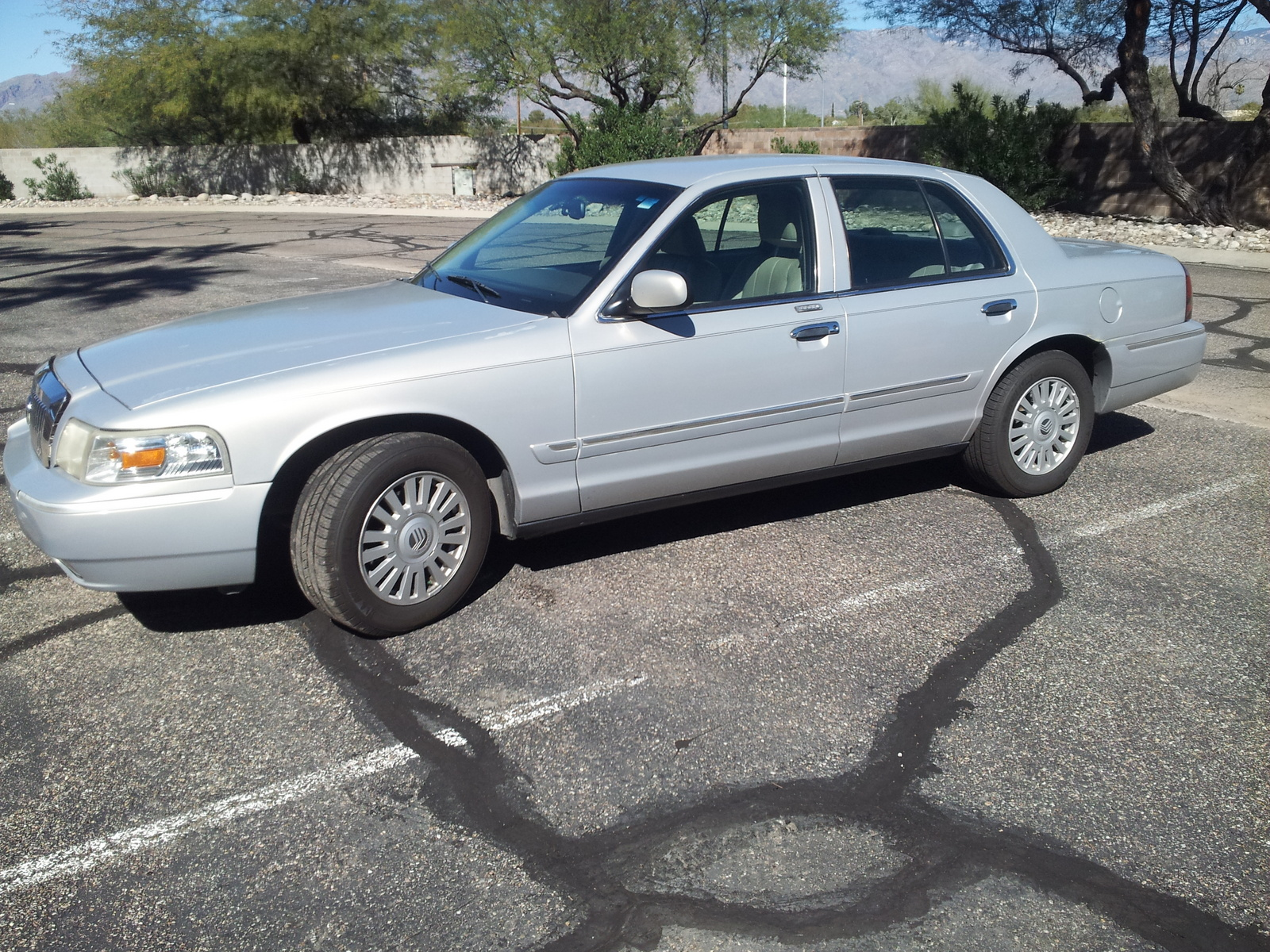 Picture of 2008 Mercury Grand Marquis LS