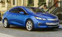 2016 Chevrolet Volt, Front-quarter view. Copyright General Motors, exterior, manufacturer, gallery_worthy