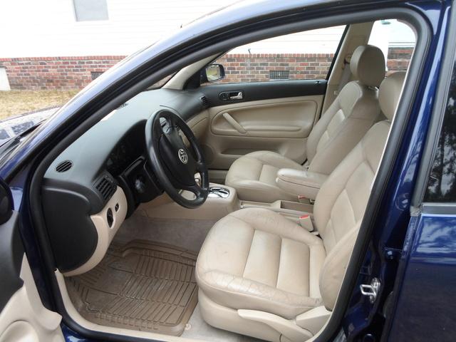 2000 volkswagen passat pictures cargurus for Volkswagen passat 2000 interior