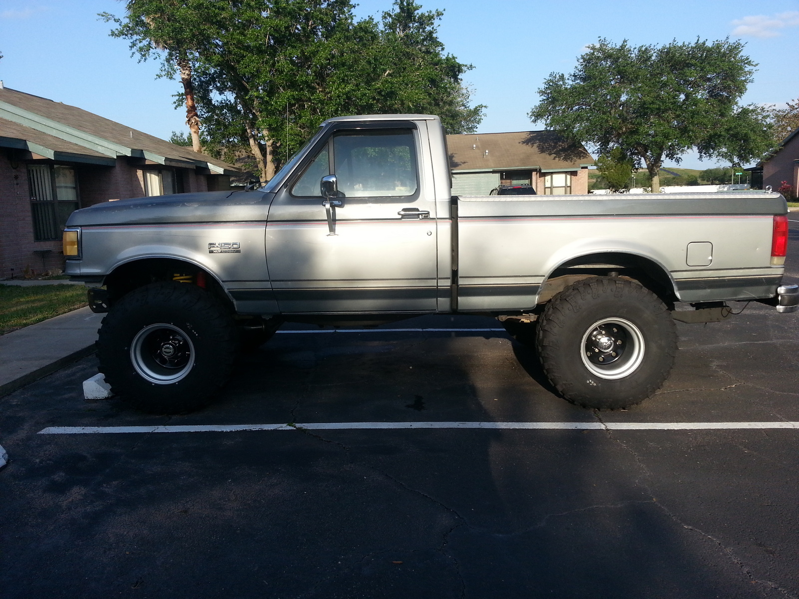 Ford F-150 Questions - I have a 1989 Ford F150 XLT Lariat ...