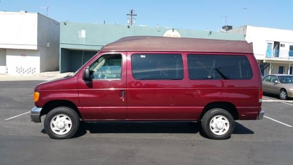Picture of 2004 Ford Econoline Wagon 3 Dr E-350 Super Duty XLT Passenger Van