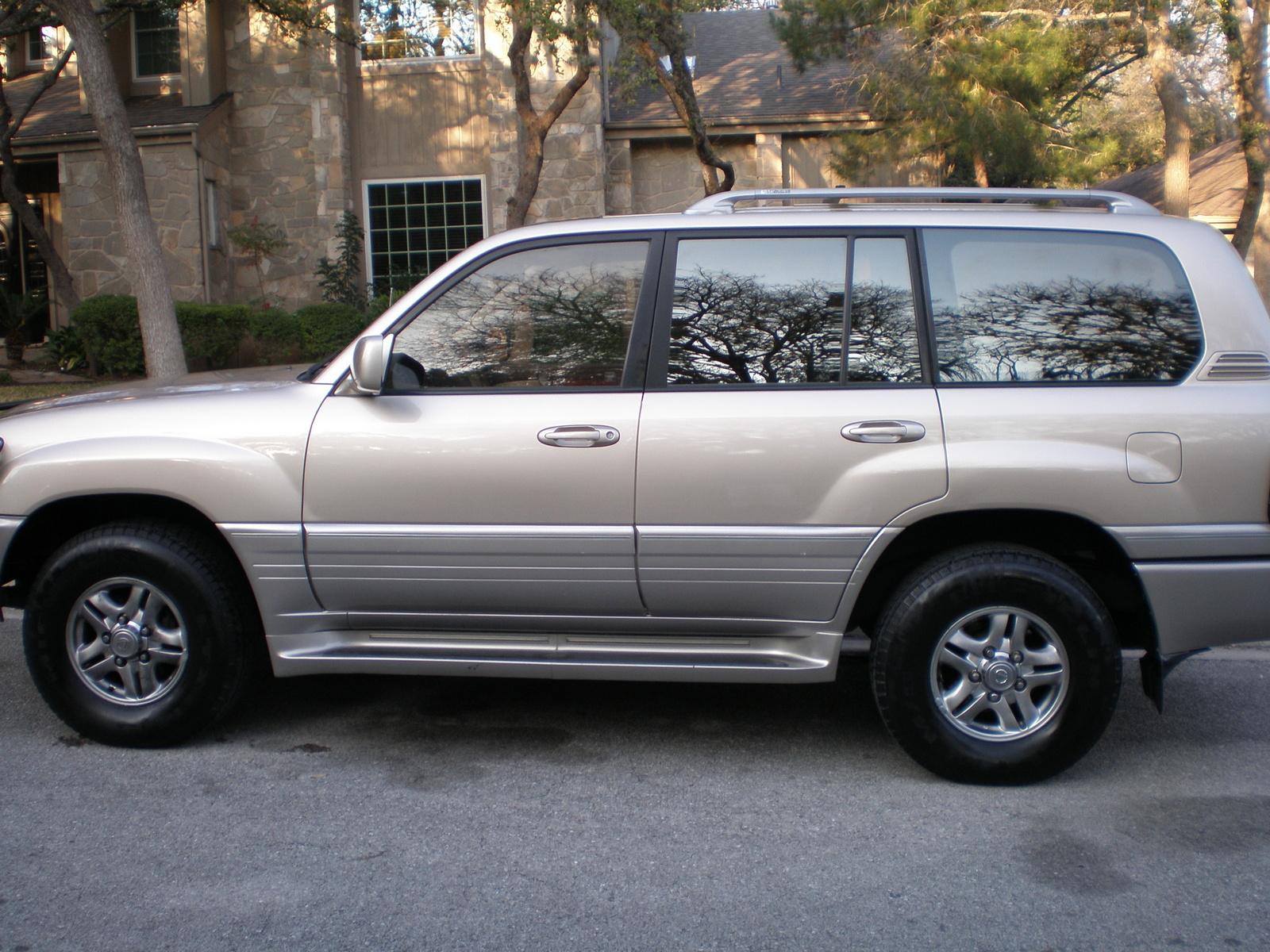 2001 Lexus LX 470