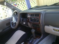 Picture of 2000 Mitsubishi Montero Sport ES, interior