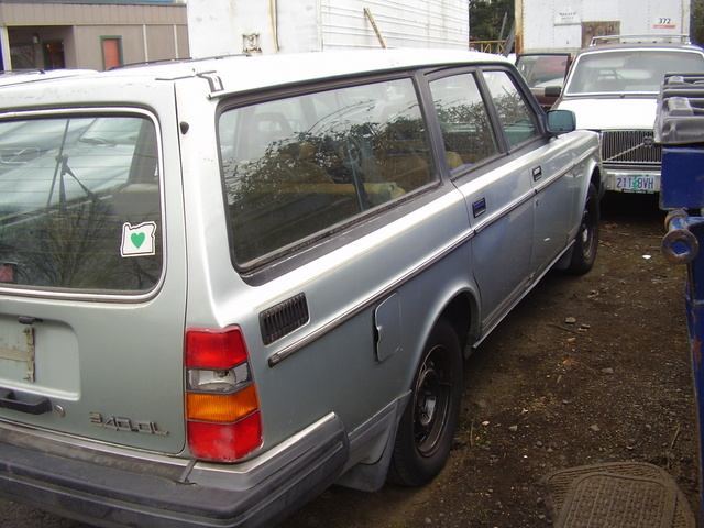 Picture of 1988 Volvo 245