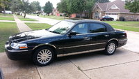 Picture of 2005 Lincoln Town Car Signature