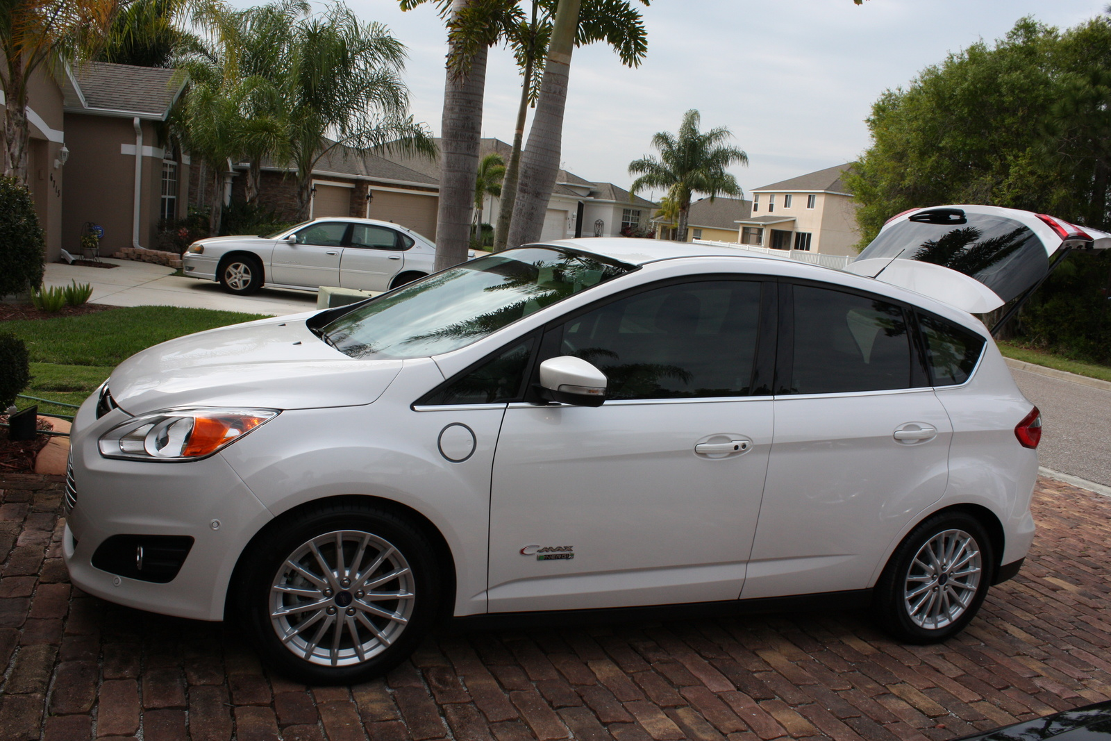 Picture of 2013 Ford C-Max SEL Energi, exterior