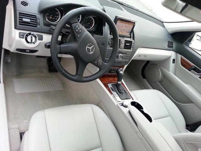 2011 Mercedes-Benz C-Class - Interior Pictures - CarGurus