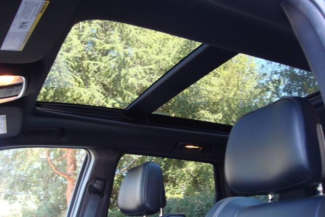 Picture of 2014 Jeep Grand Cherokee Overland 4WD, interior, gallery_worthy