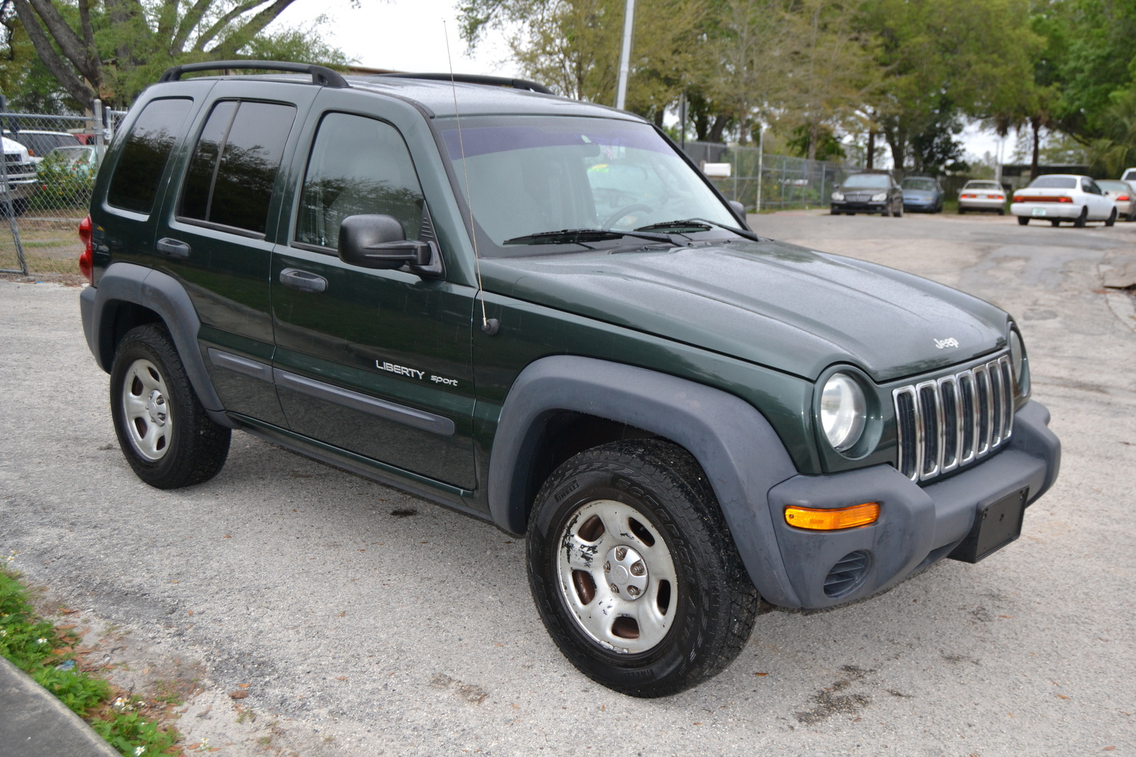 Picture of 2003 Jeep Liberty Sport exterior