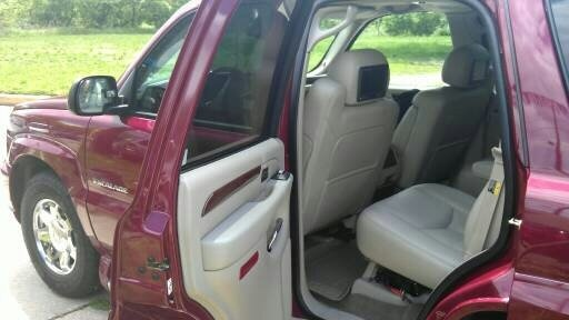 Picture of 2004 Cadillac Escalade