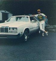 1976 Oldsmobile Cutlass Supreme, 1976 Cutlass (pic 1982), exterior