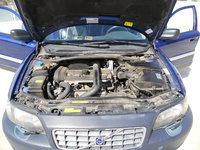 Picture of 2002 Volvo XC 4 Dr Turbo AWD Wagon, engine