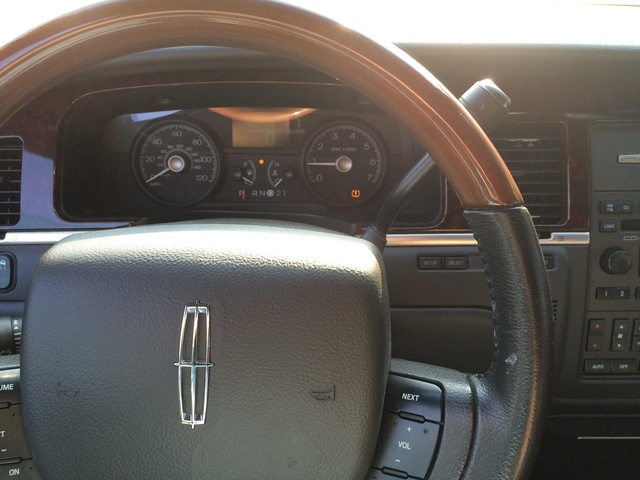 2011 lincoln town car interior pictures cargurus. Black Bedroom Furniture Sets. Home Design Ideas