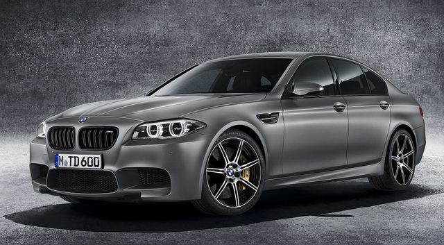 2015 BMW M5, Front-quarter view of the 30th anniversary version, exterior, manufacturer