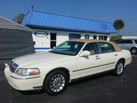 Picture of 2006 Lincoln Town Car Signature